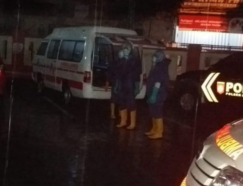 Polsek Sukowono Amankan Evakuasi Pasien Positif Covid-19 ke RSUD dr Soebandi Jember